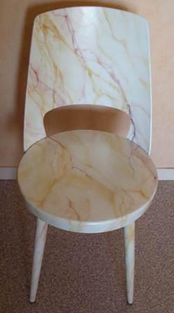 chaise faux marbre