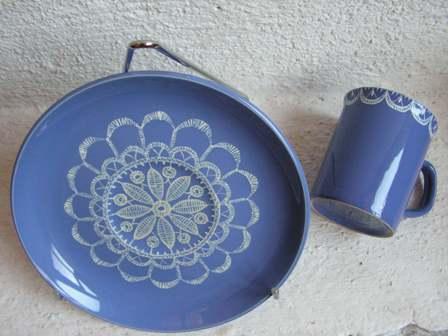 porcelaine peinte à la main par K. BIZOU