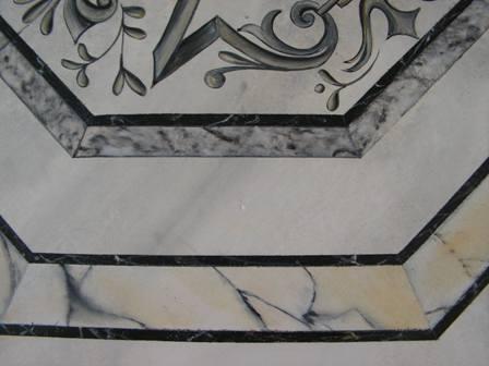 Table faux marbre extrait