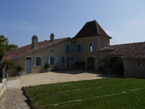 http://www.archive-host2.com/membres/images/1336321151/balades/AH_2011-07/chalosse-0.jpg