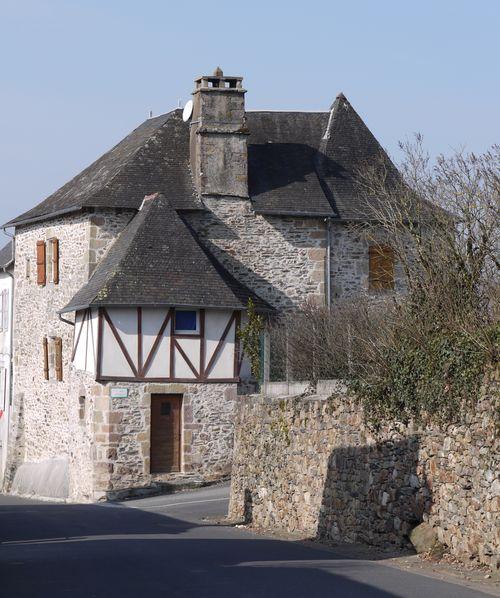http://www.archive-host2.com/membres/images/1336321151/balades/Sainte-Fereole/2_pierres-2.jpg