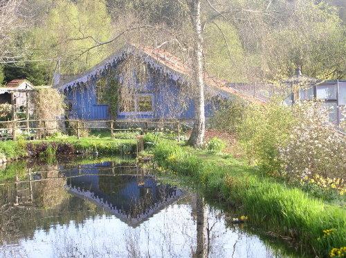 http://www.archive-host2.com/membres/images/1336321151/balades/berchi/berchi_div/maisonbleue.jpg