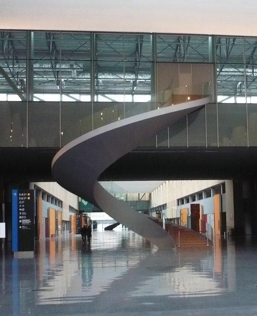 http://www.archive-host2.com/membres/images/1336321151/balades/bilbao/escalier.jpg