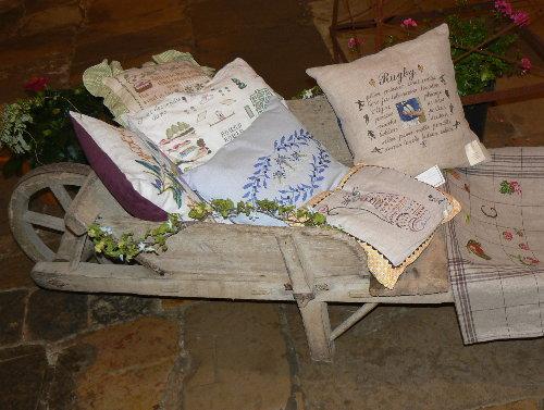 http://www.archive-host2.com/membres/images/1336321151/balades/gourdon/T_brouette.jpg