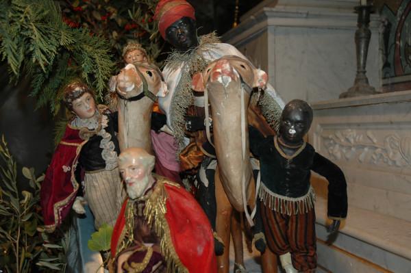 http://www.archive-host2.com/membres/images/77561342/salons__expos_santons_2010/Lurs/Lurs_2010_12_29_153645_.JPG