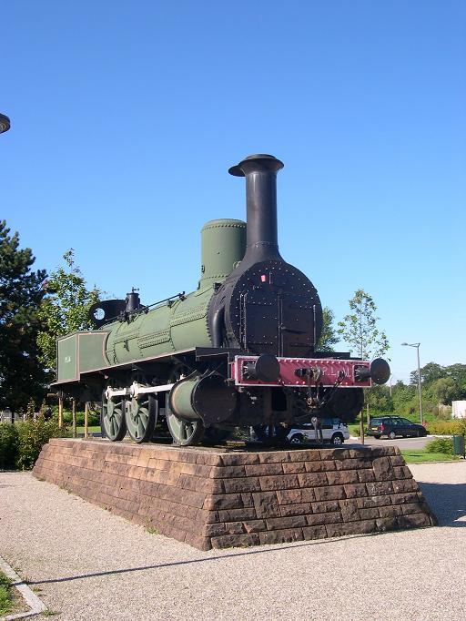 Locomotive à l'entrée du musée
