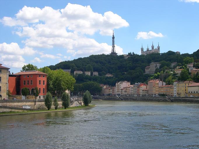 Lyon - Vue de la Saône sur Fourvières